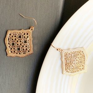 Jewelry - NEW Rhombus Filigree Earrings (rose gold)